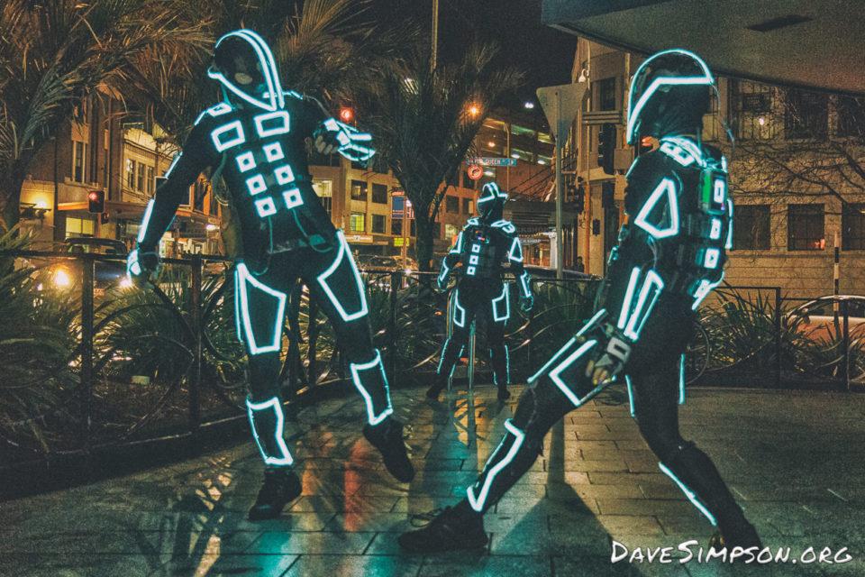 160804_Robotic Light Dancers_02